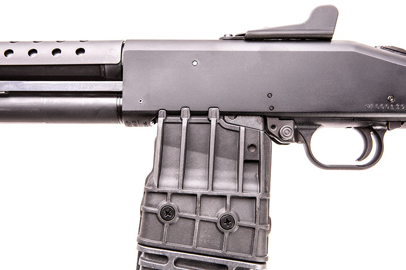 Notches on receiver perfectly mate up with lugs on magazines.