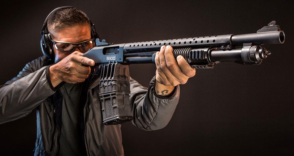 FULLY LOADED Mossberg 590M Tri-Rail Shotgun | S W A T  Magazine