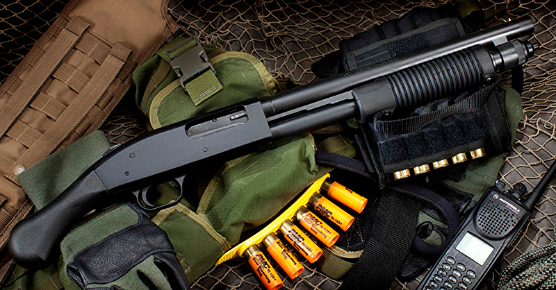 12-gauge Mossberg 590 Shockwave is non-NFA alternative to short-barrel breaching shotguns. Though not considered a shotgun under Federal law, state and local laws may vary.