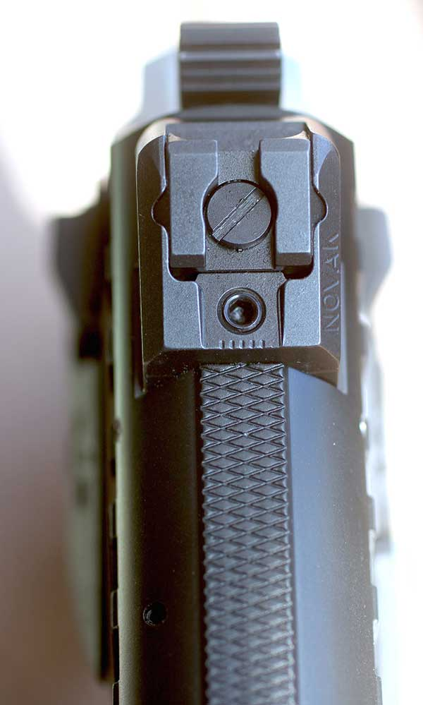 Regulus comes with new Novak Adjustable rear sight.