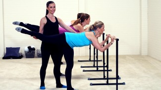 Melissa's exciting mini class designed for women fitness to slim your thighs and create a burn in the corners of your seat.