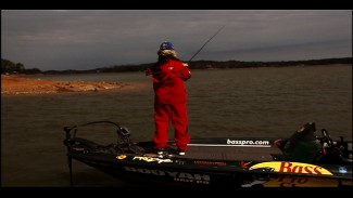 Bass Fishing Strategies for Making a Move