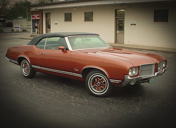 1971_Cutlass_Supreme_convertible