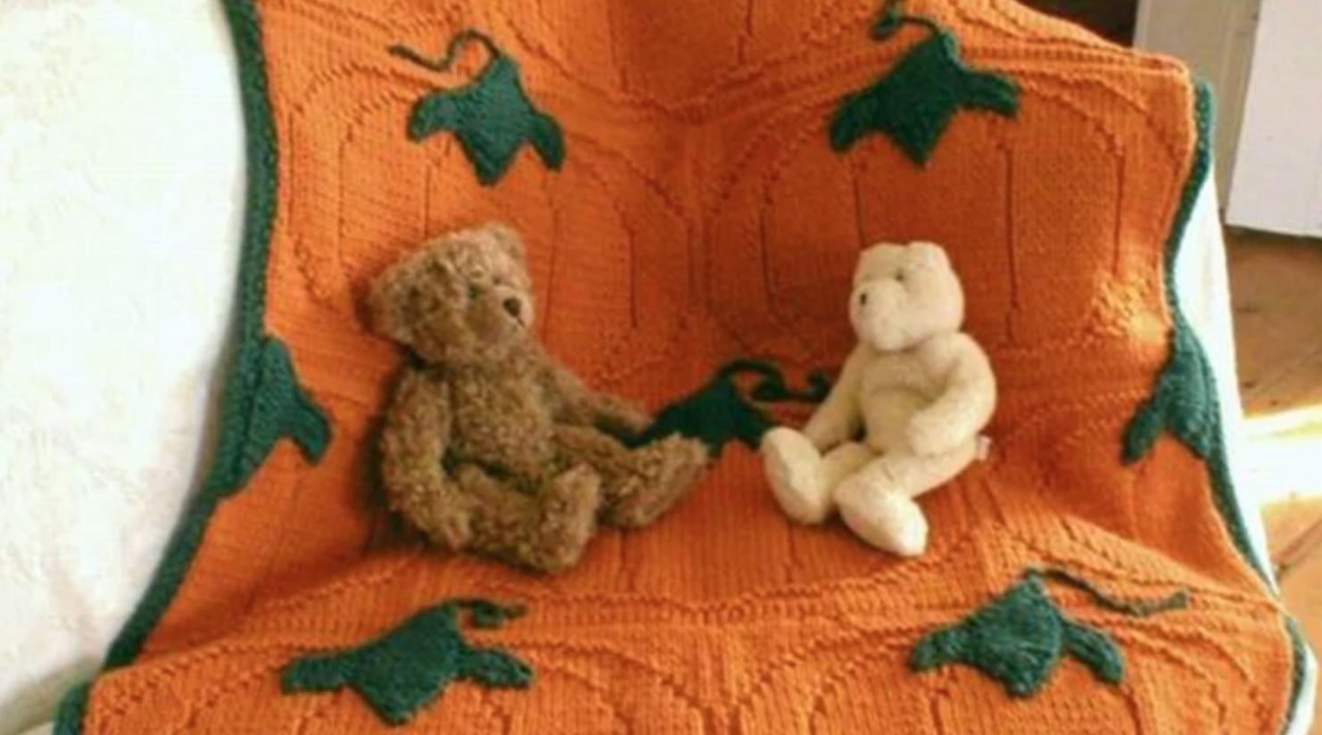 knit pumpkin blanket