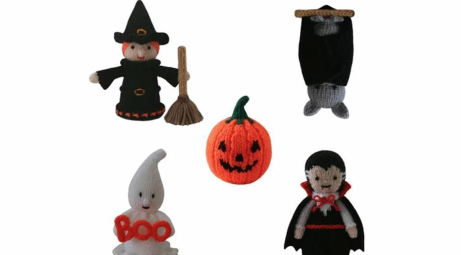 knit amigurumi halloween figures
