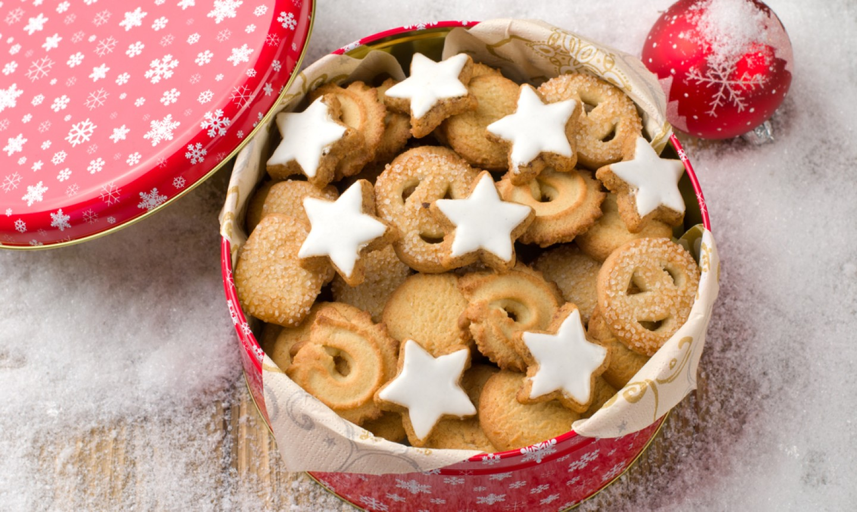 Tin of cookies