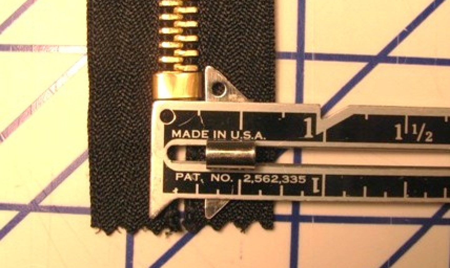 measuring zipper