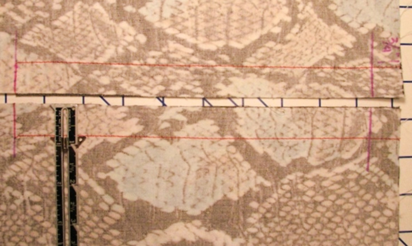 fabric marked for exposed zipper