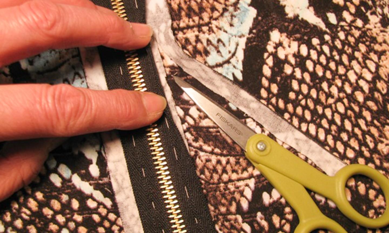 trim zipper seam allowance