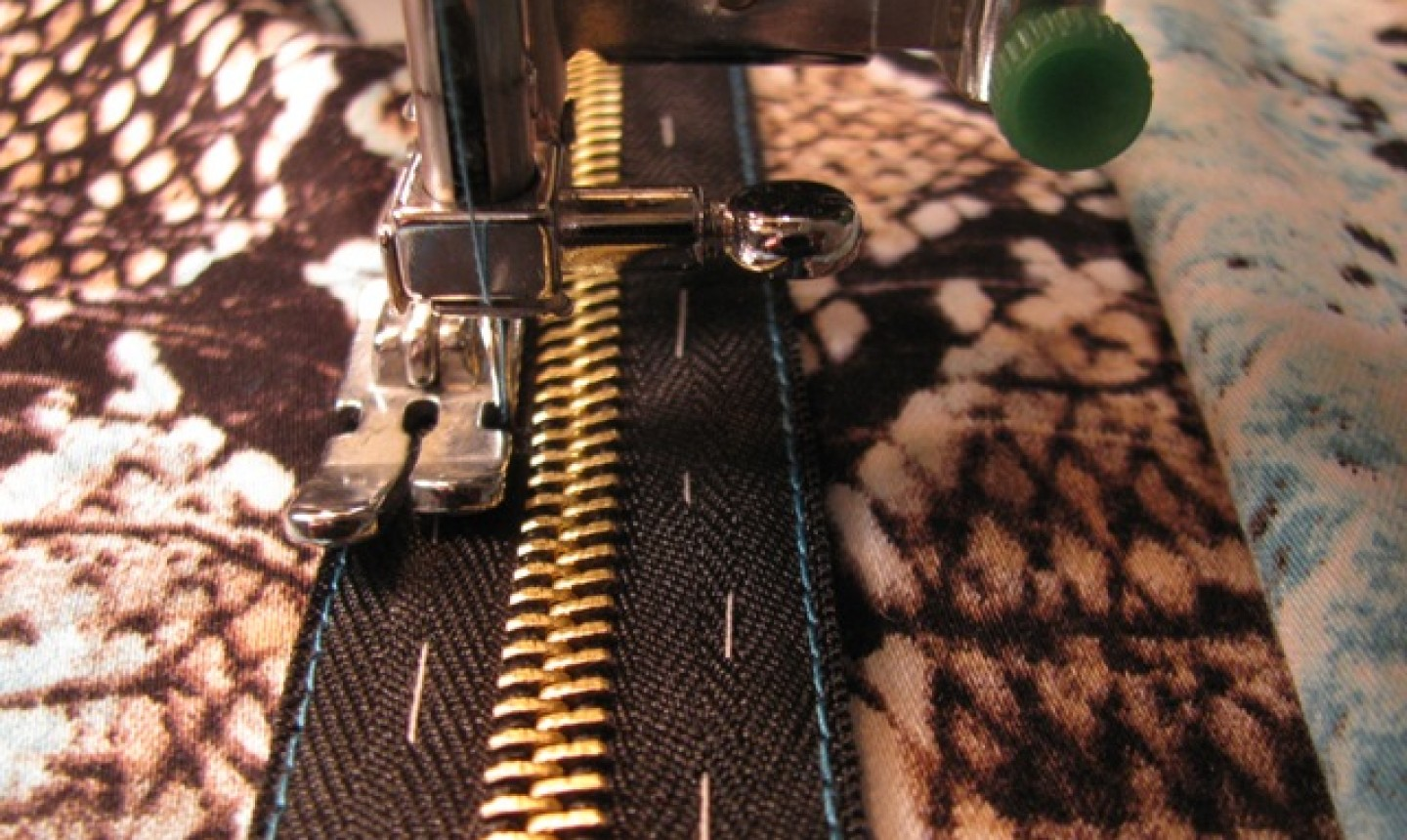 sewing exposed zipper