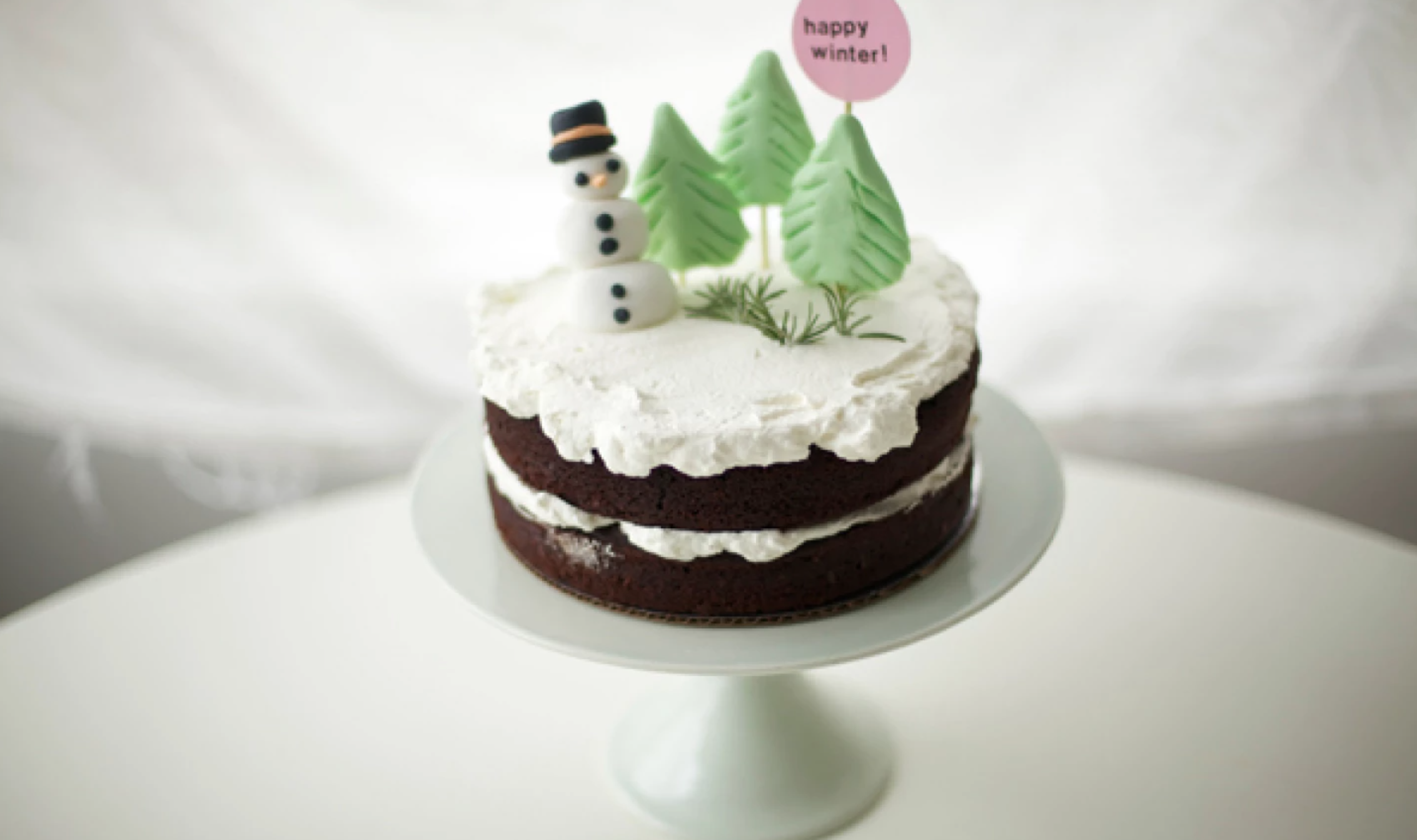 naked winter cake