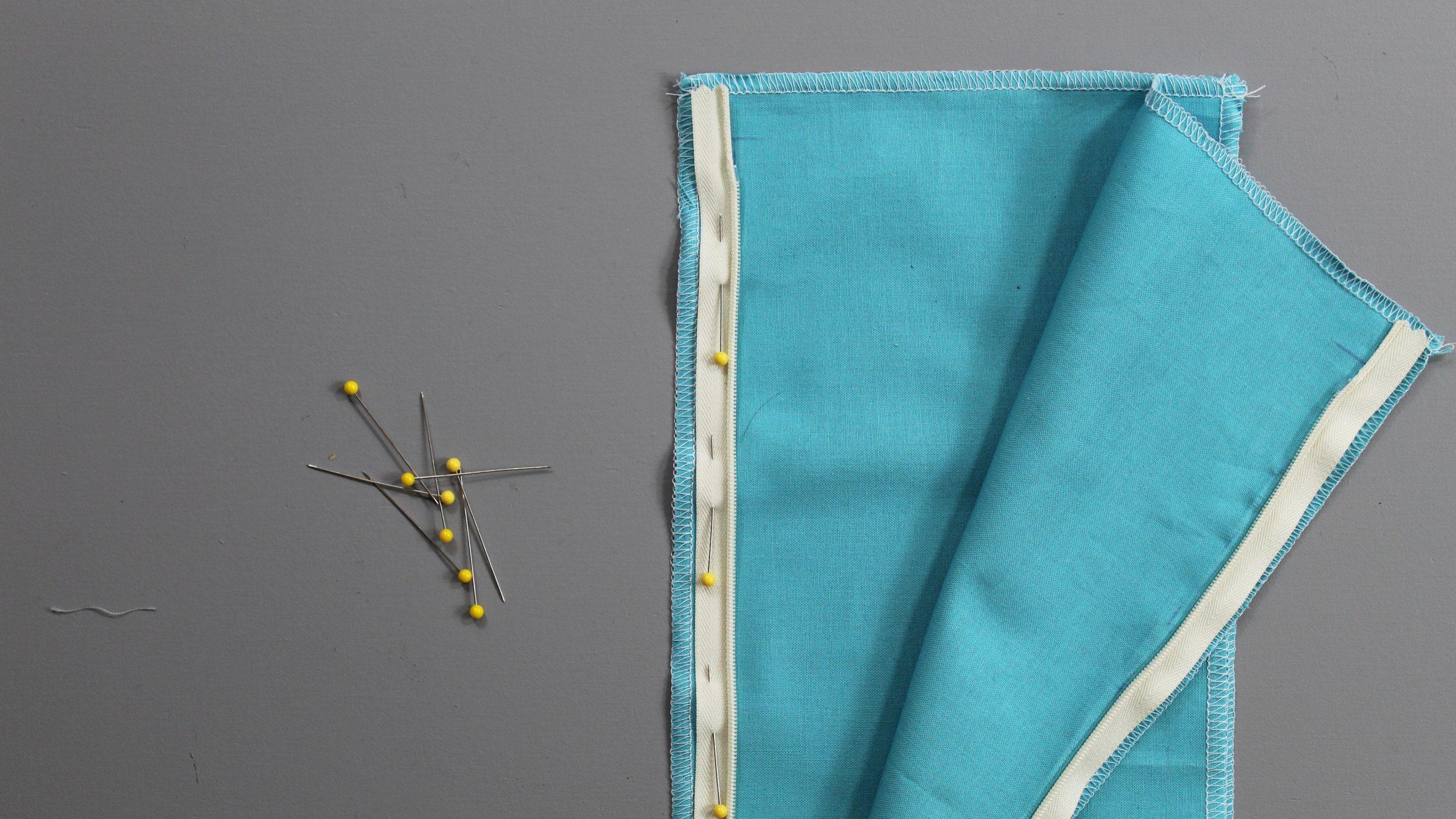 Pinned zipper