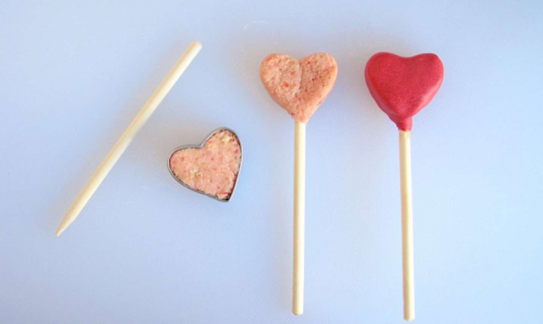 shaping cake pop hearts