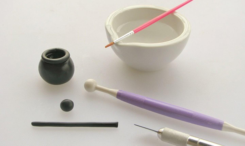 making fondant pot