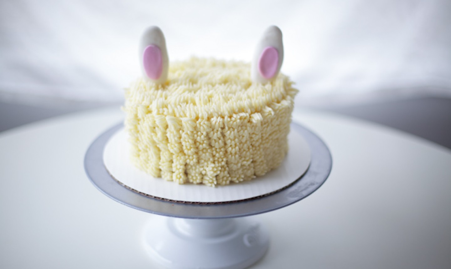 piped rabbit cake with ears