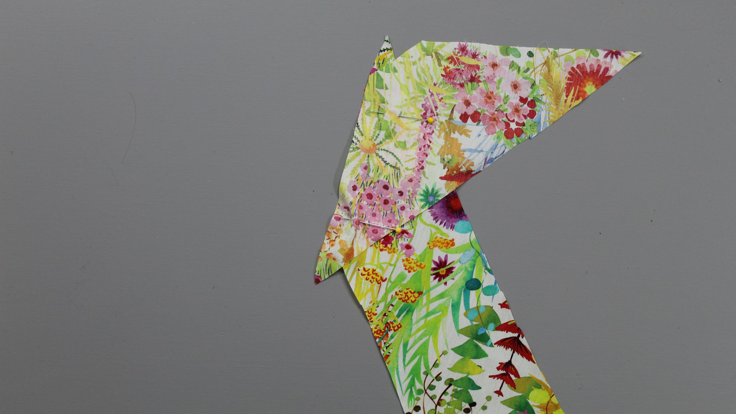 Connecting fabric pieces