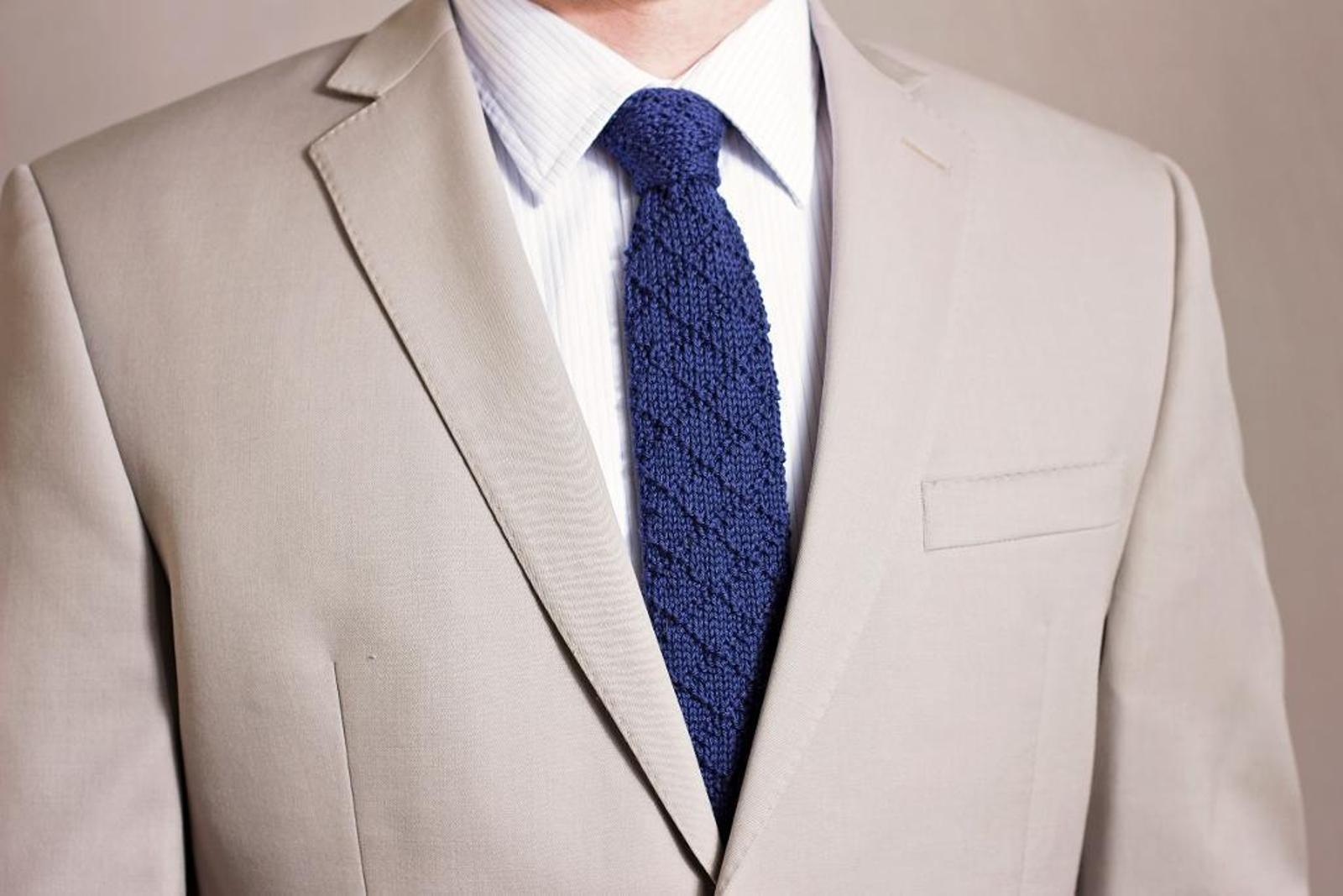 knit necktie