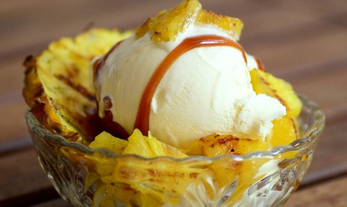 grilled pineapple sundae