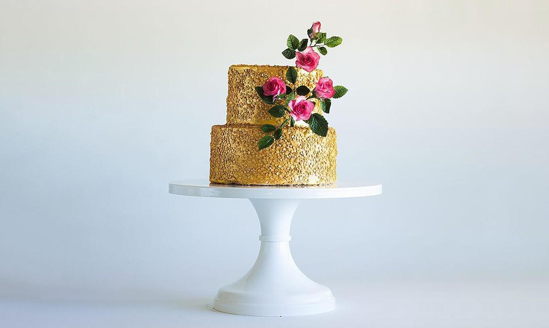 gold glitter cake