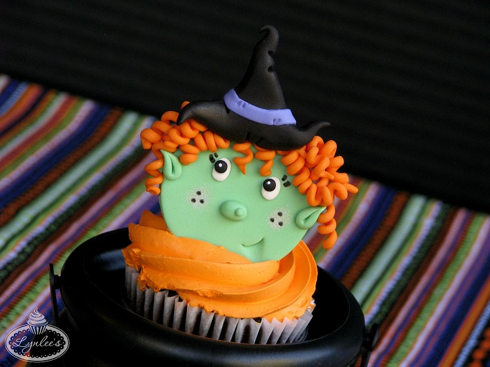 Cupcake with witch topper
