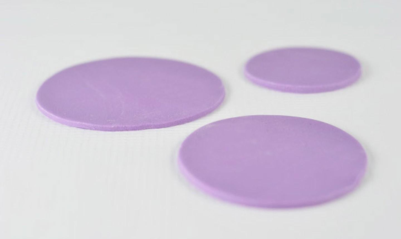 purple fondant circle