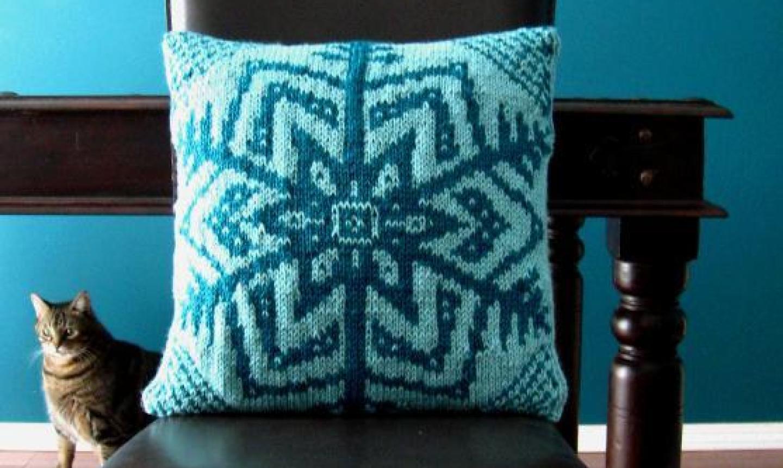 knit snowflake cushion cover