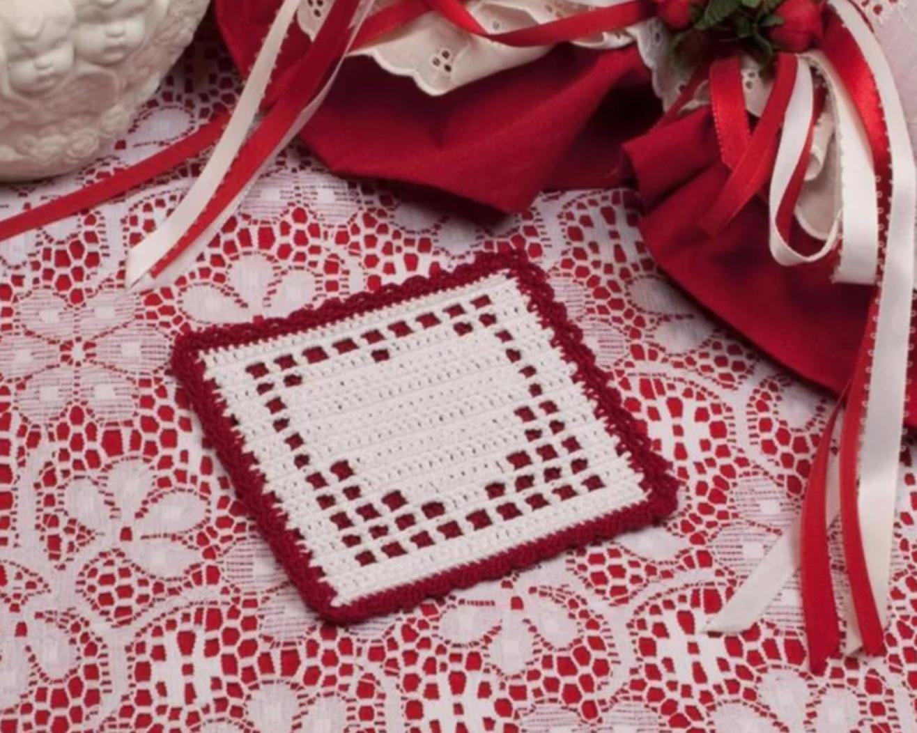 filet crochet heart coaster