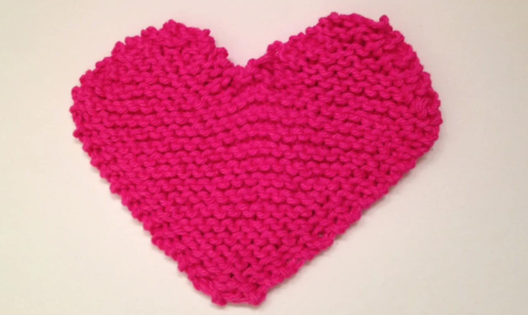 knit heart-shaped dishcloth