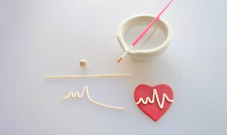 creating heartbeat fondant