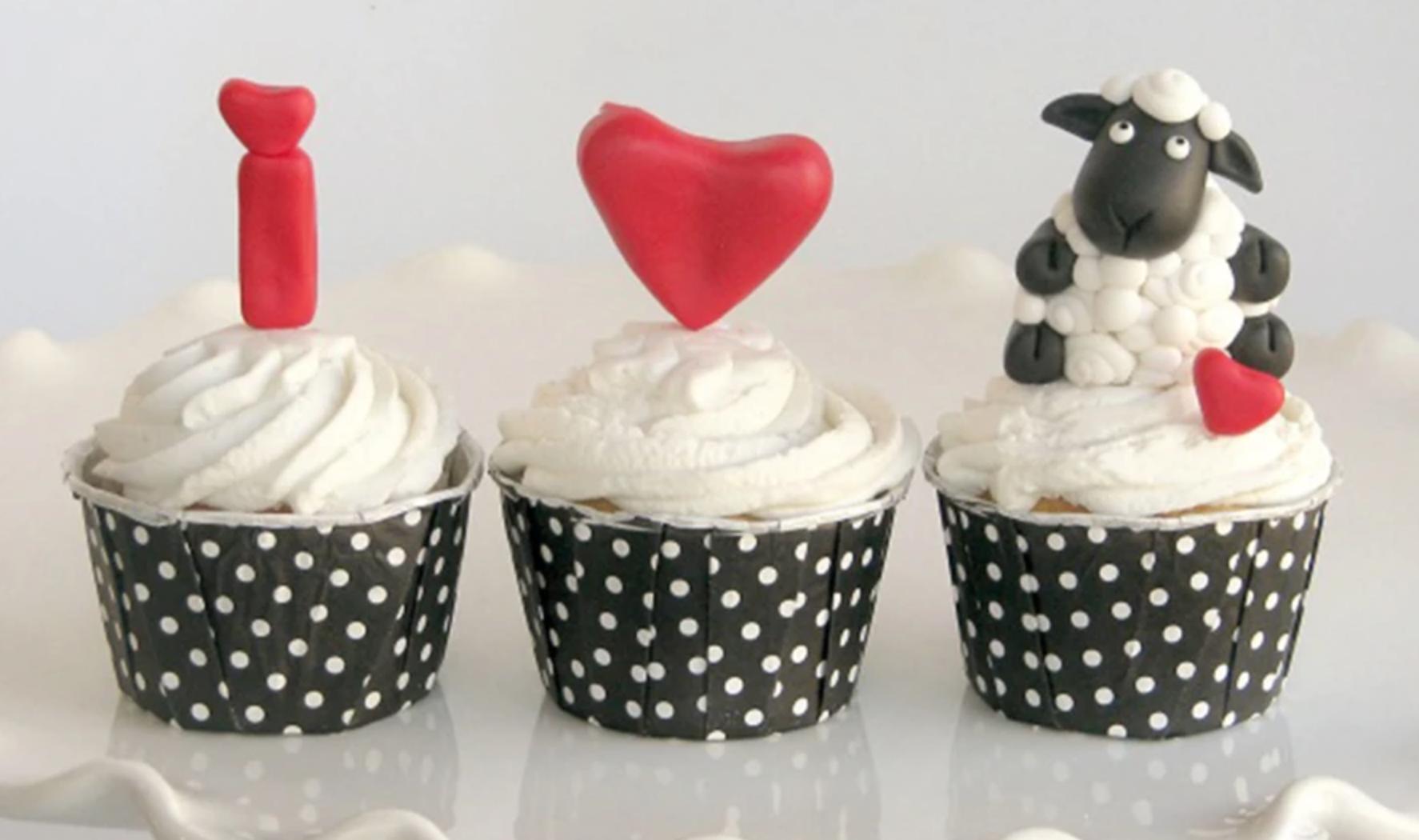 i heart ewe cupcakes