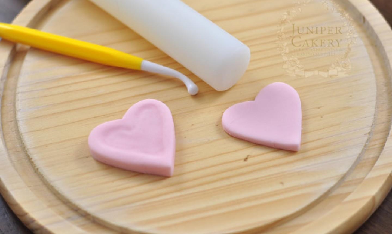 shaping fondant heart box