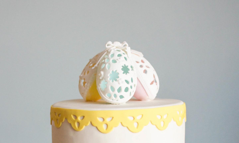 eyelet eggs on cake