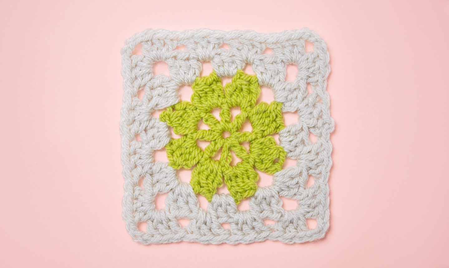 granny square flower center