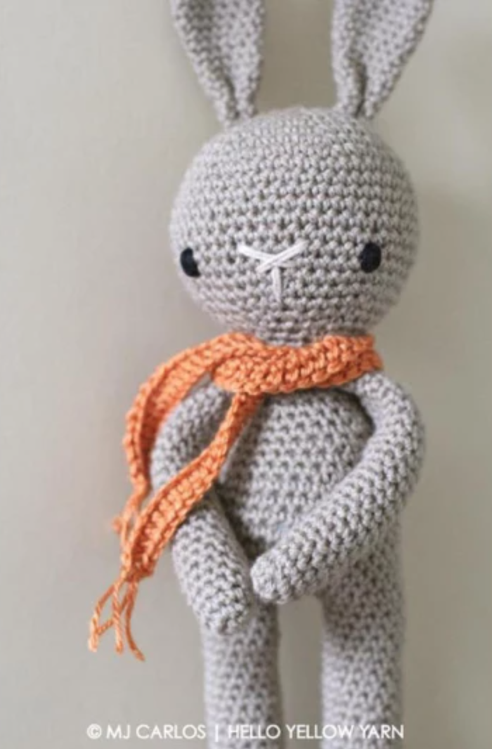 amigurumi bunny with scarf
