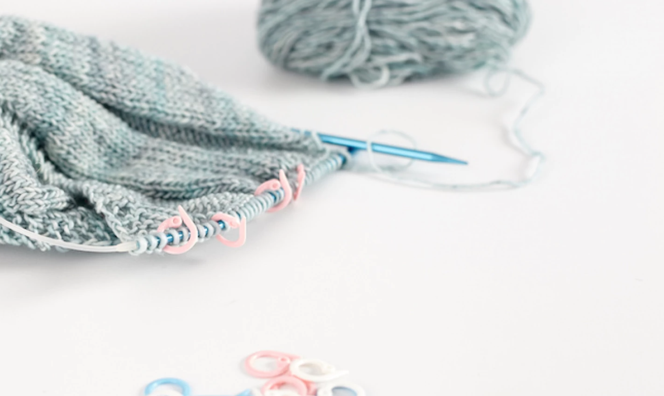 knitting with stitch markers