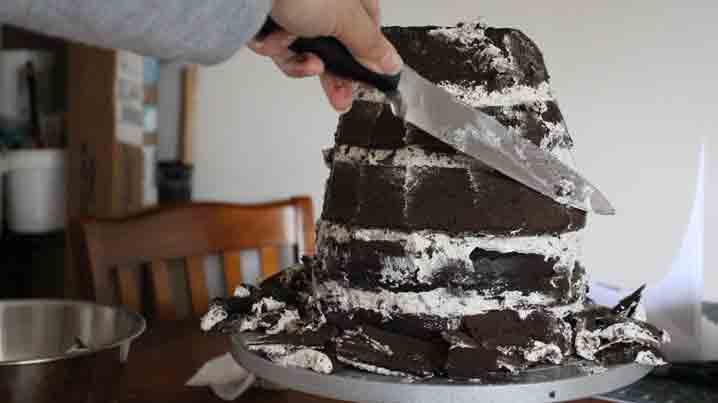 sculpting cake