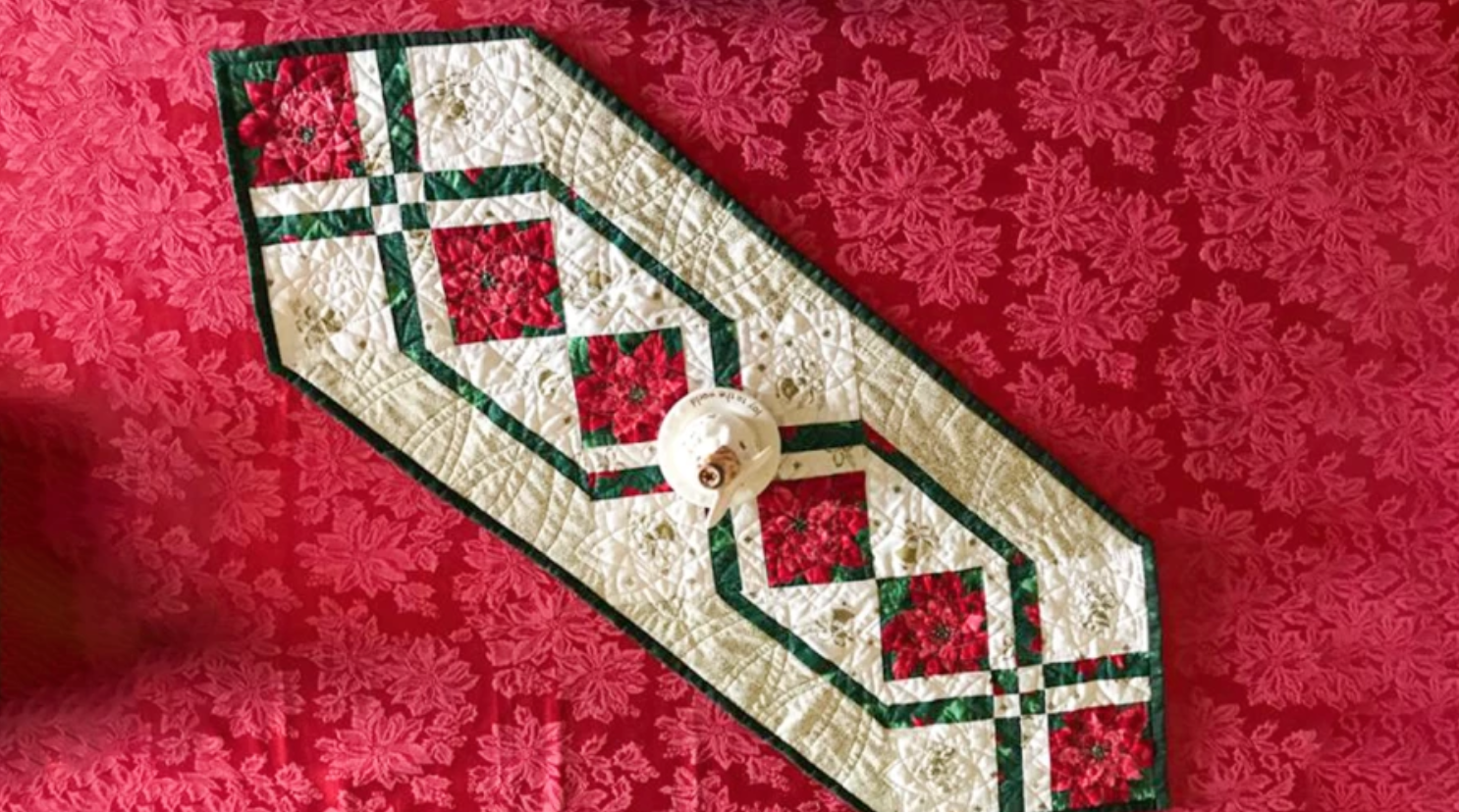 8 Christmas Table Runner Patterns That Stitch Up Quick