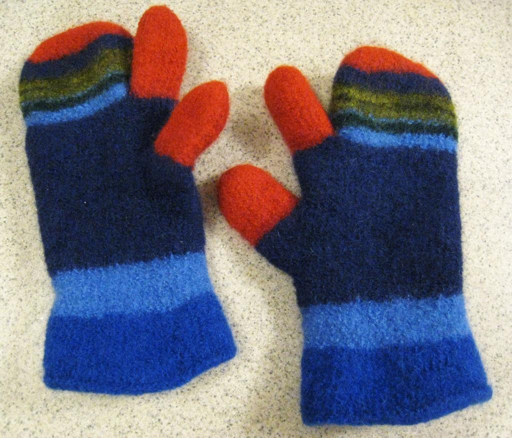 one finger felted mittens