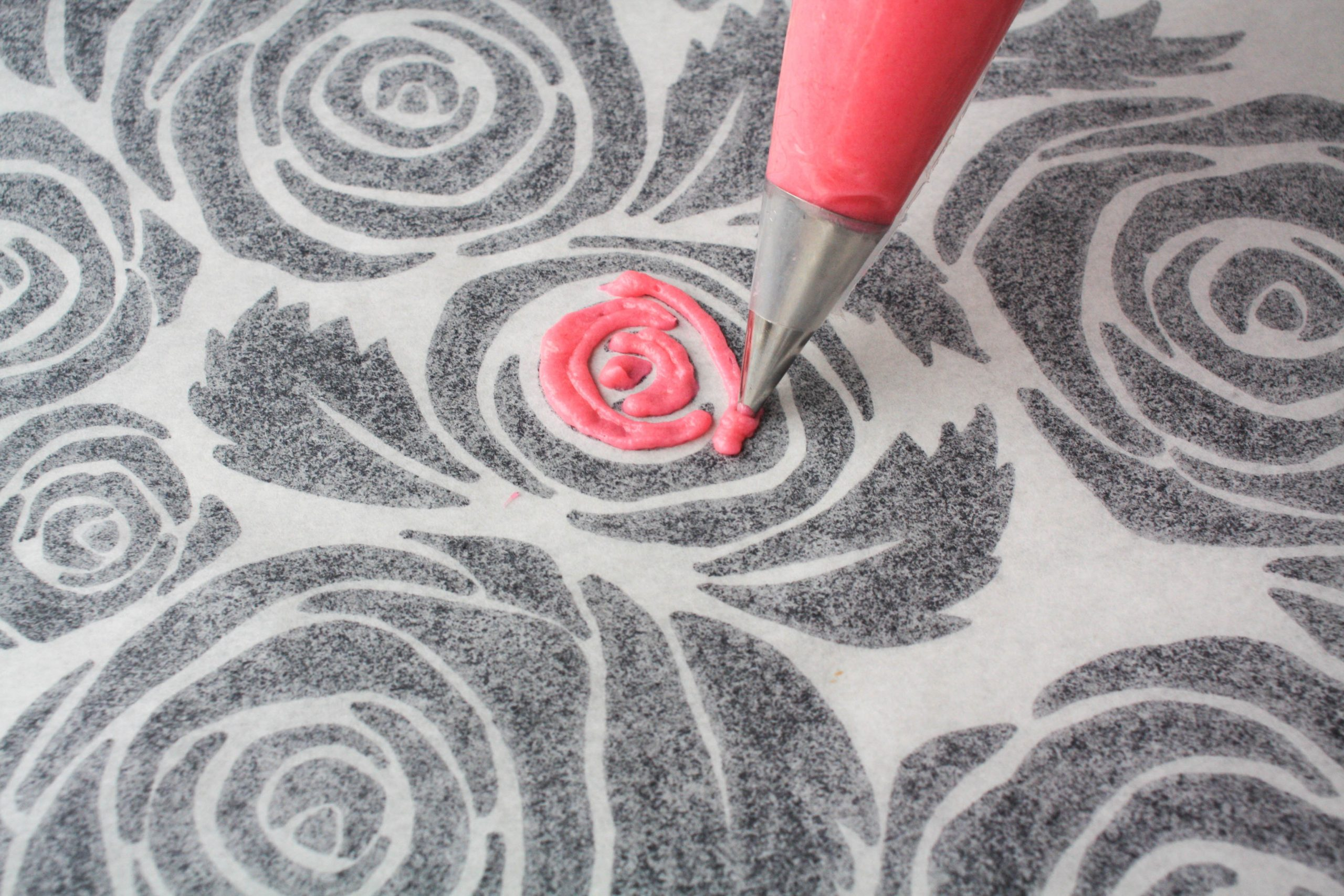 piping on rose template