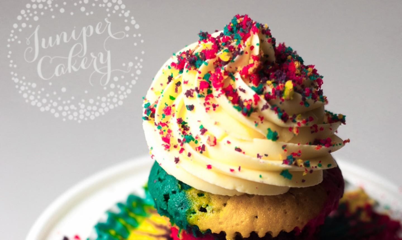 detail rainbow cupcake