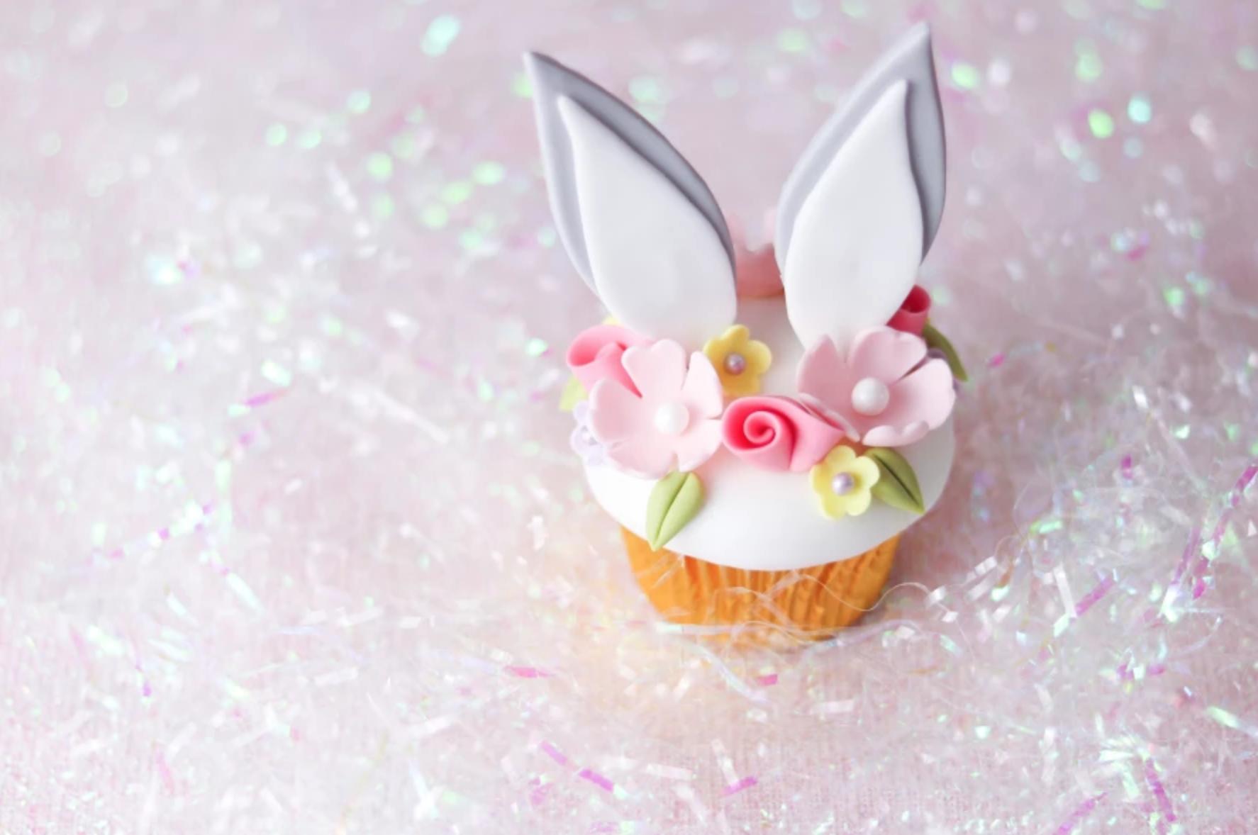 flower crown bunny cupcake