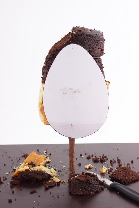egg template on cake