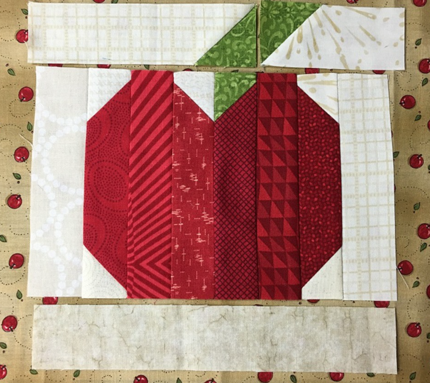 putting together apple mug rug
