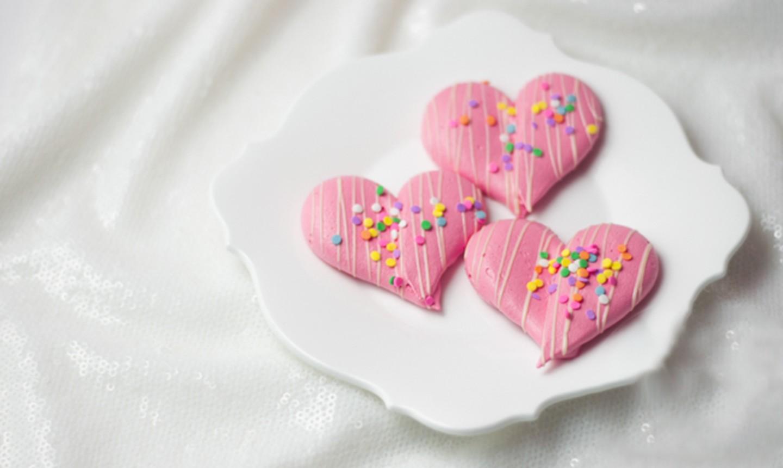 heart-shaped strawberry meringues
