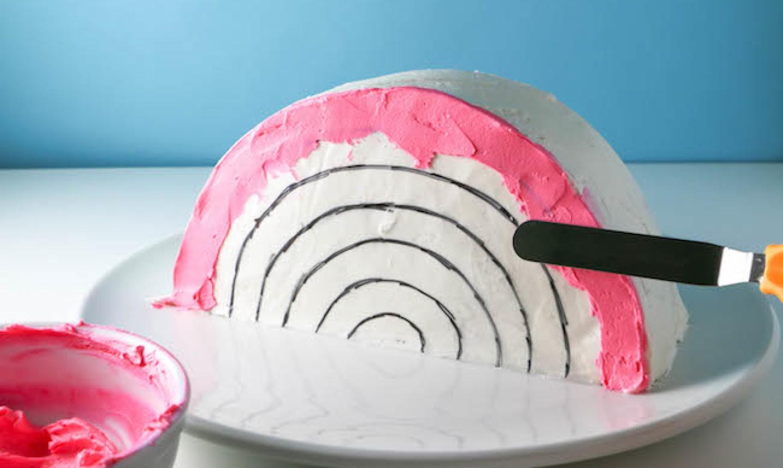 decorating rainbow cake