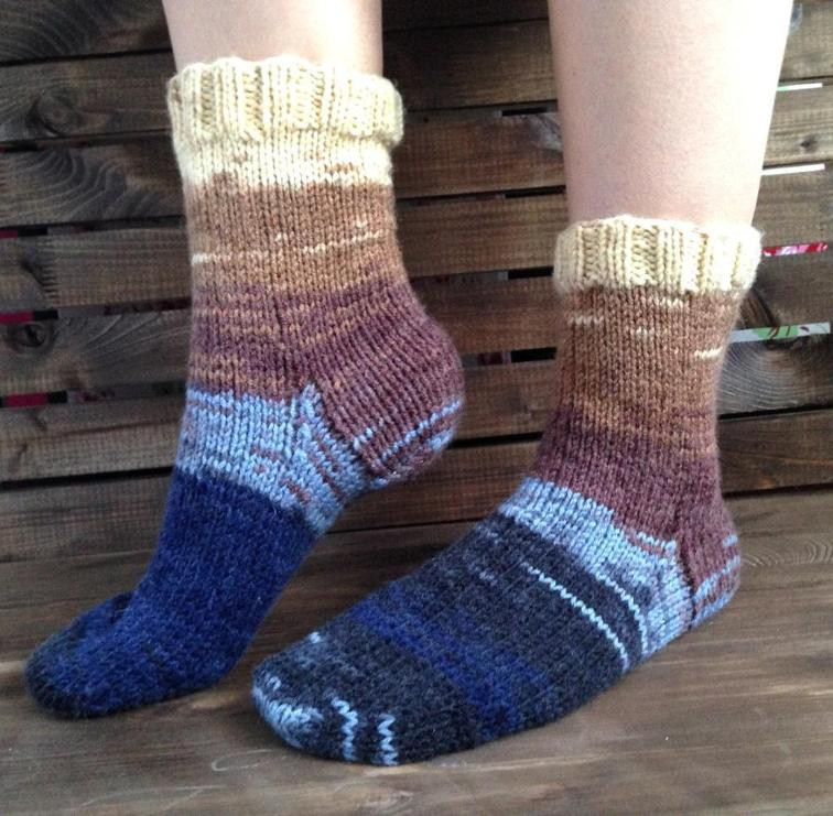round trip knit socks