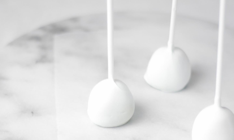 dipped white cake pops