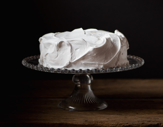 christmas cake with white frosting