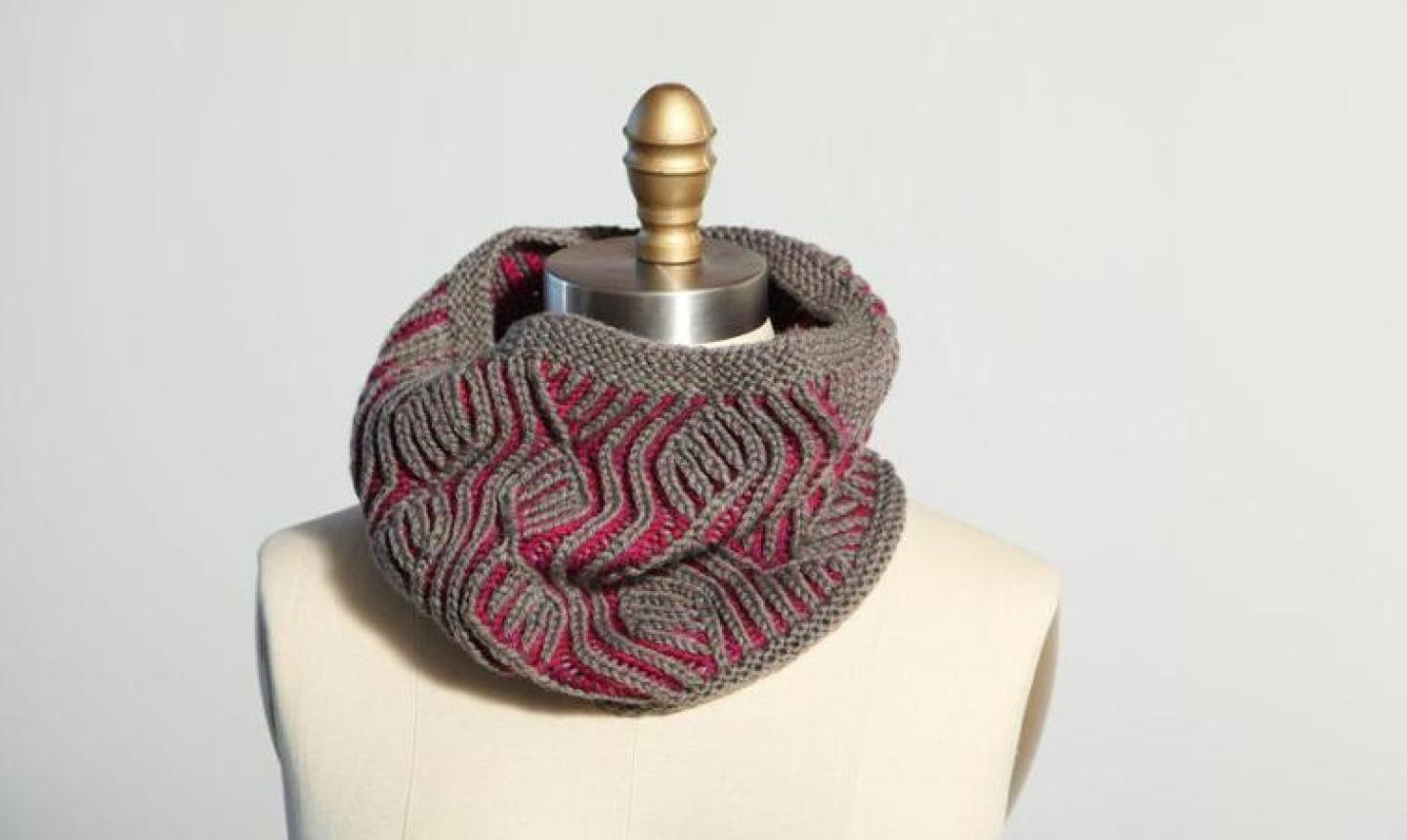 gray and maroon brioche knit cowl