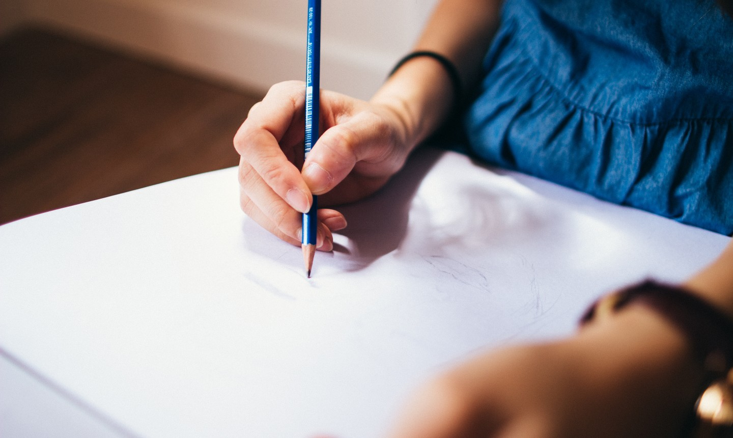 Picture of someone drawing